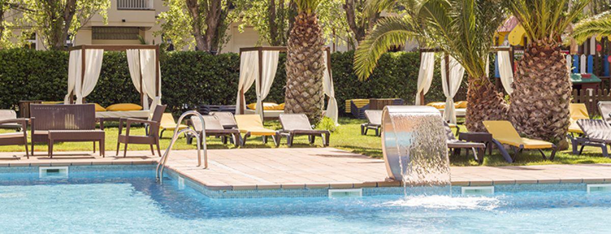 swimming pool and garden hotel panorama